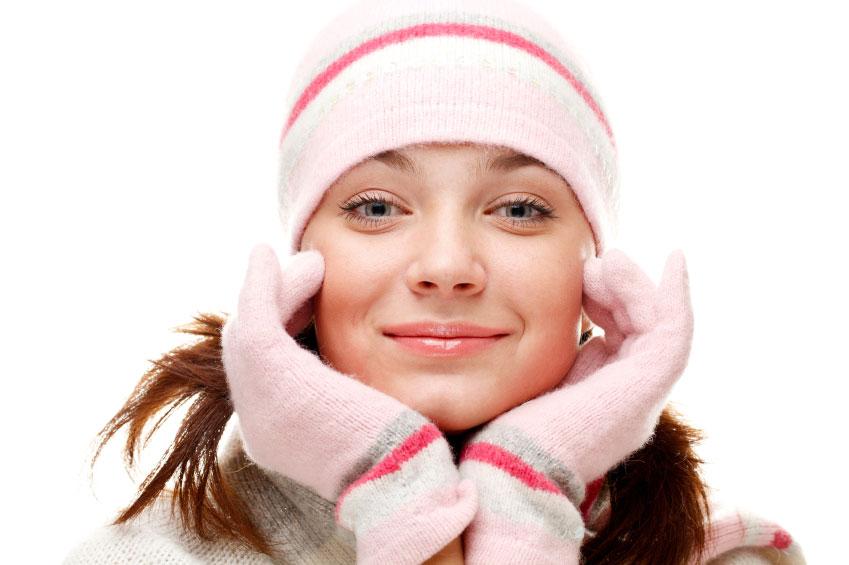 Os sinais do inverno estão começando aparecer. Sabia que a pele também pode sofrer no frio?